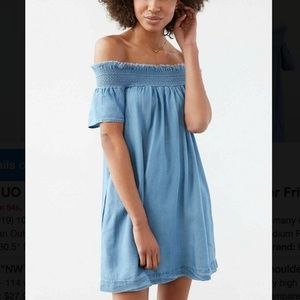 Alice & UO Chambray Off-The-Shoulder Dress Small
